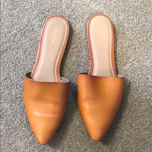 Old Navy Tan Pointed Mules
